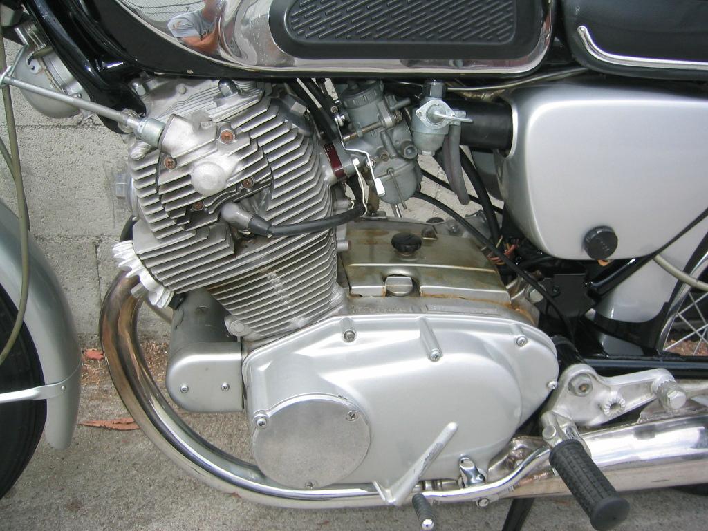 Index of /bike_pic2004/japanese/1962_honda_cb77