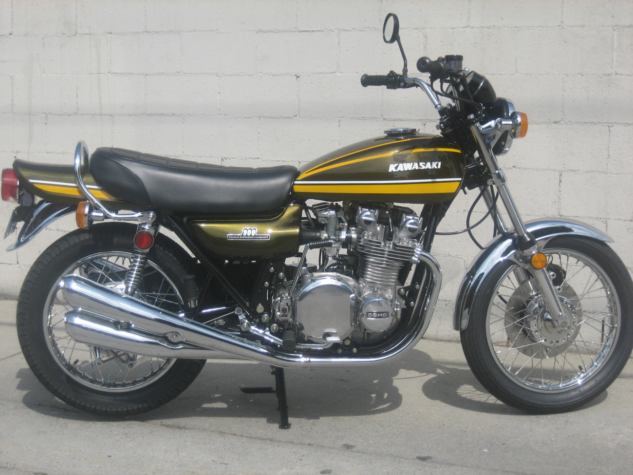 http://garagecompany.com/bikes/japanese/74_Z1900/IMG_5402.JPG